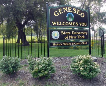 geneseo-welcome-gateway-sign-village.jpg