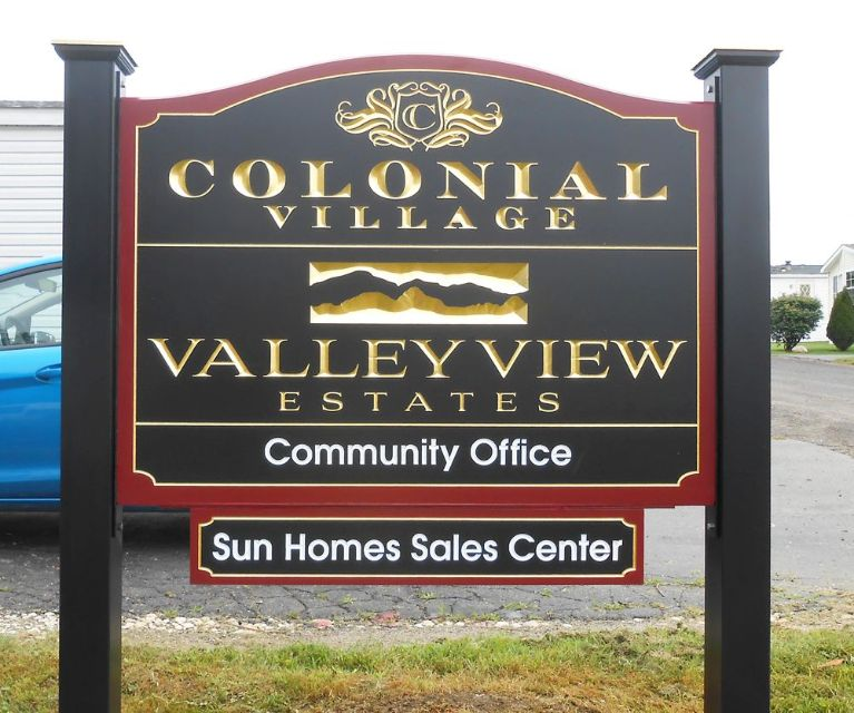 Colonial Manor Apartments: Signlanguage, Inc.