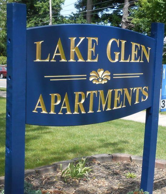 Ellicott Grove Apartments: Signlanguage, Inc.